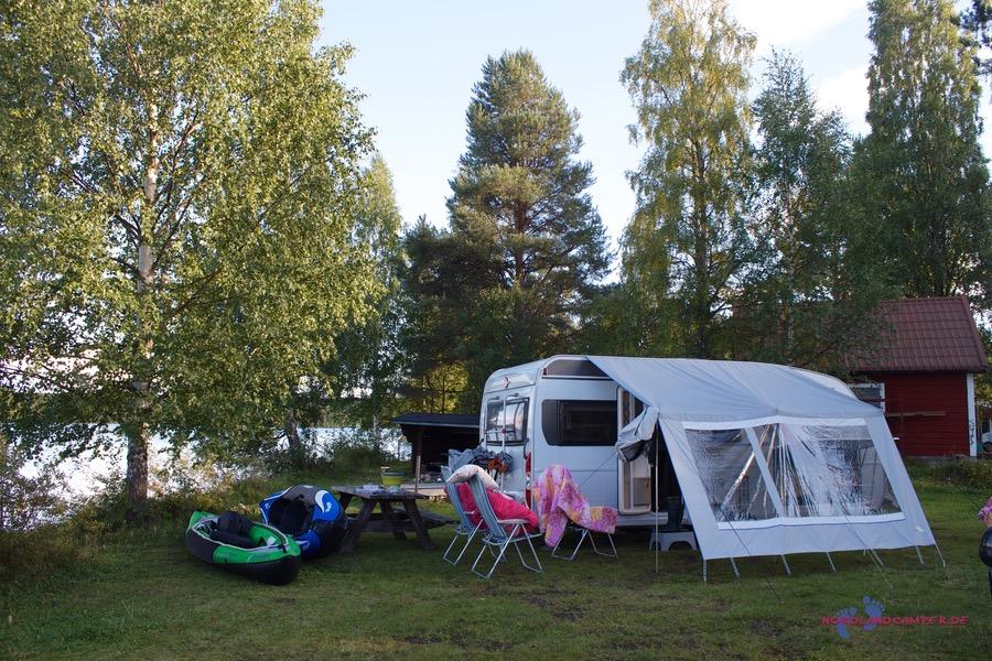 Auf einem Campingplatz in Lappland